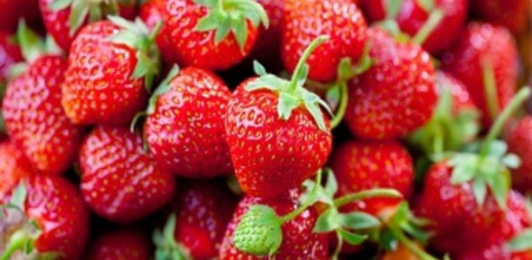 Mark's Daily Vapes: Platinum Wimbledon Strawberry E liquid Review