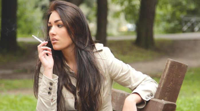 Report Calls For a Ban on Smoking in Public Places